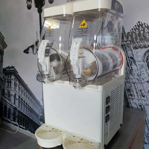 מכונת ברד בעלת 2 מיכלים – הנקודה החמה (7)